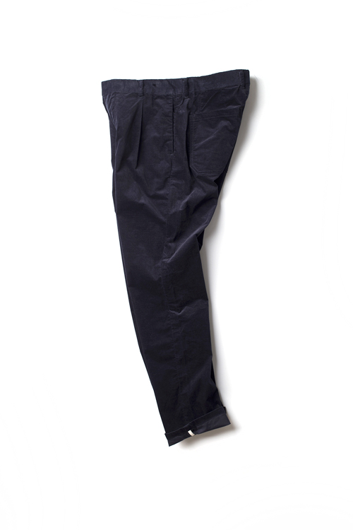 Still by Hand : 1 Tuck Corduroy Pants (Navy)
